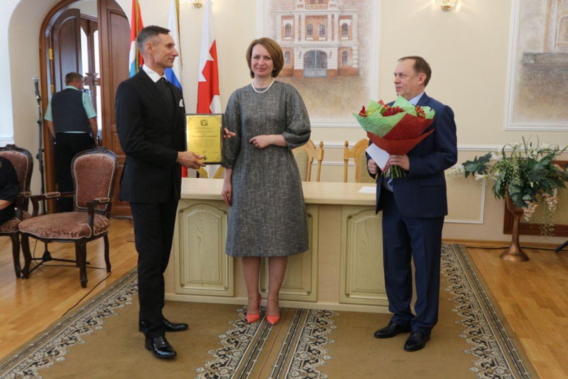 Поздравление художественного руководителя Сибирского хореографического ансамбля «Русь»
